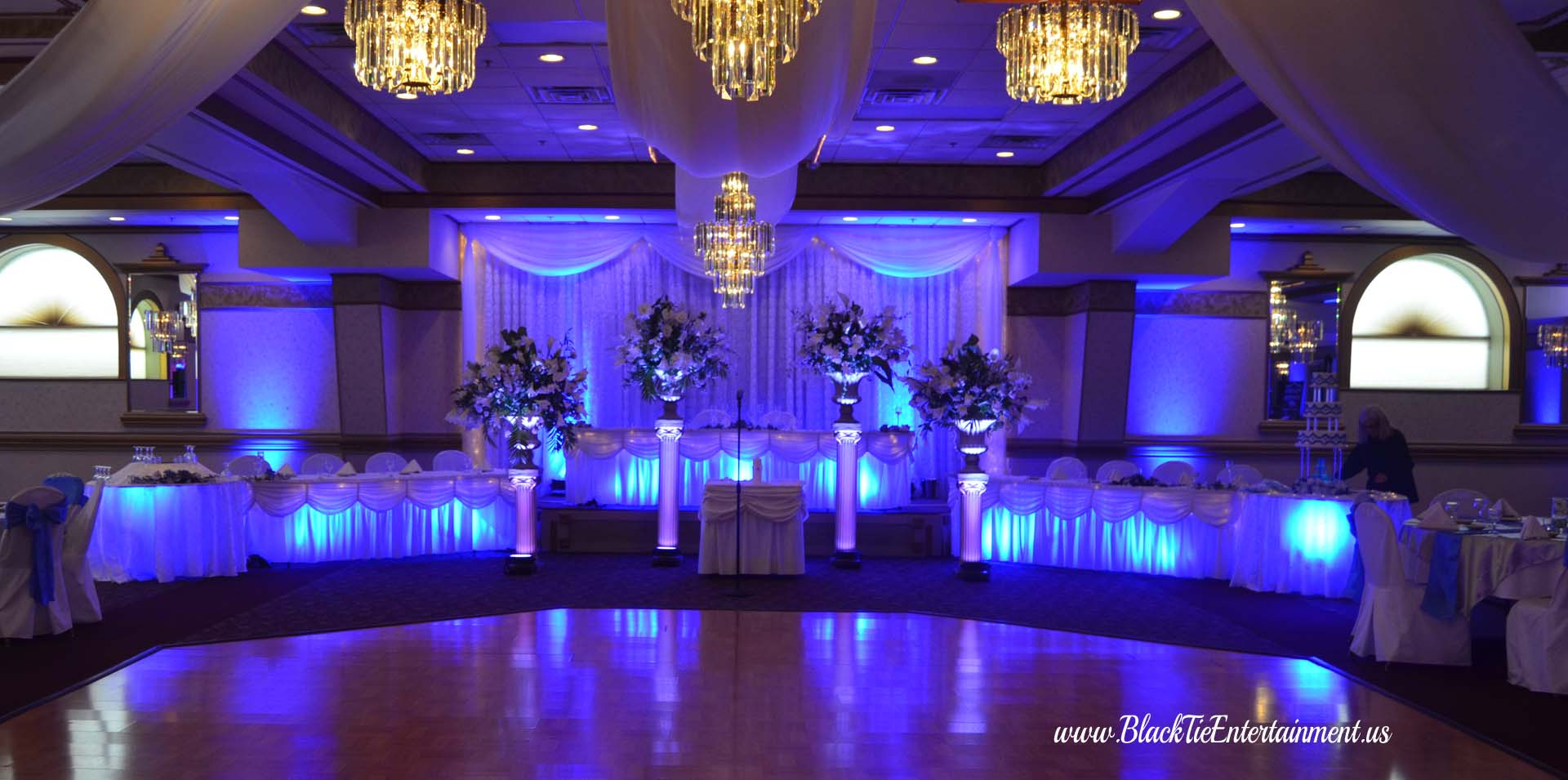 Up Lighting - Black Tie Entertainment at Guys Party Center