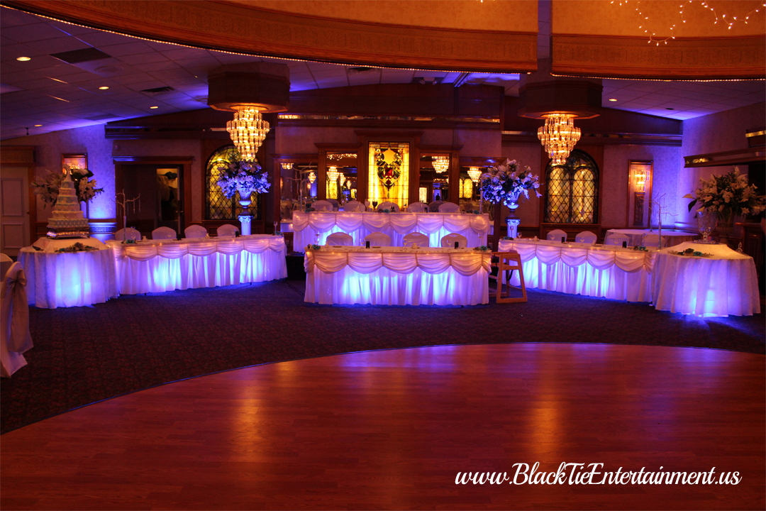 Guy's Party Center with Black Tie Entertainment bridal table lighting